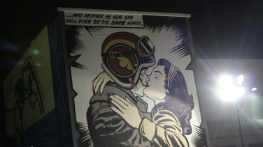 KissingZombieMural1133